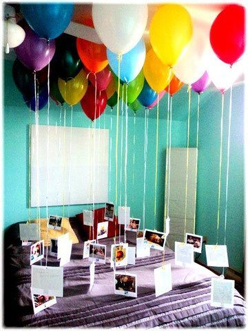 paper anniversary date idea - photo balloons